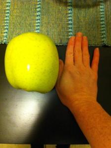Giant_apple